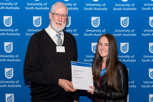 Keith Adams, President of the Rotary Club of Barossa Valley with recipient Cassidy Shaw